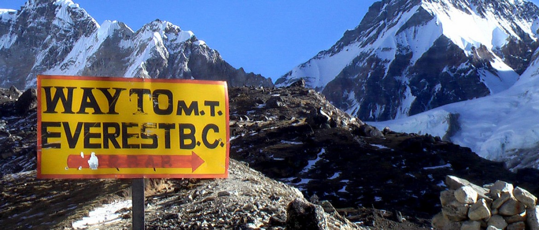 Los Everest Base Camp Trek via Jiri – 22 Days