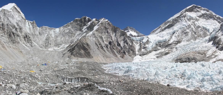 Los Lhasa to Kathmandu Tour via Everest Base Camp – 10 Days